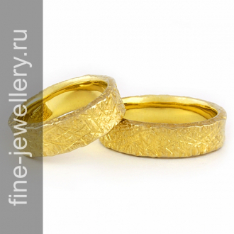 Необычные обручальные кольца фактурные