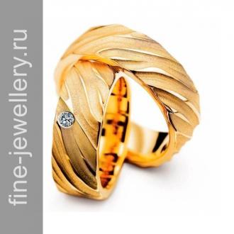 Контрастные обручальные кольца из жёлтого золота