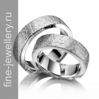 Фактурные обручальные кольца из белого золота