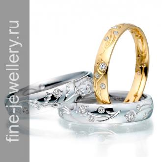 Красивые обручальные кольца с резным узором