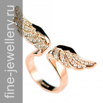 Кольцо с крыльями ангела и бриллиантами